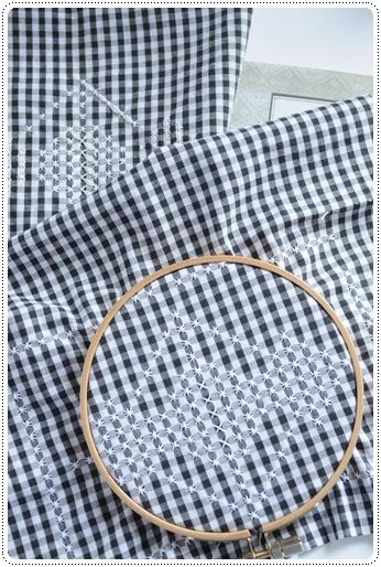 スイス刺繍②.JPG